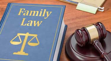 reasons to hire a family lawyer